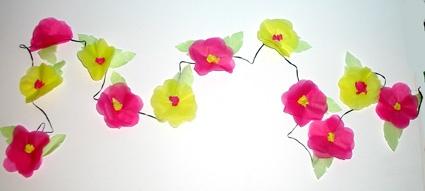 Guirlande de fleurs en papier de soie